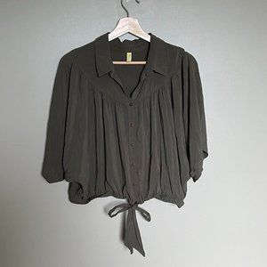 Free People olive batwing tie front collared blouse size medium